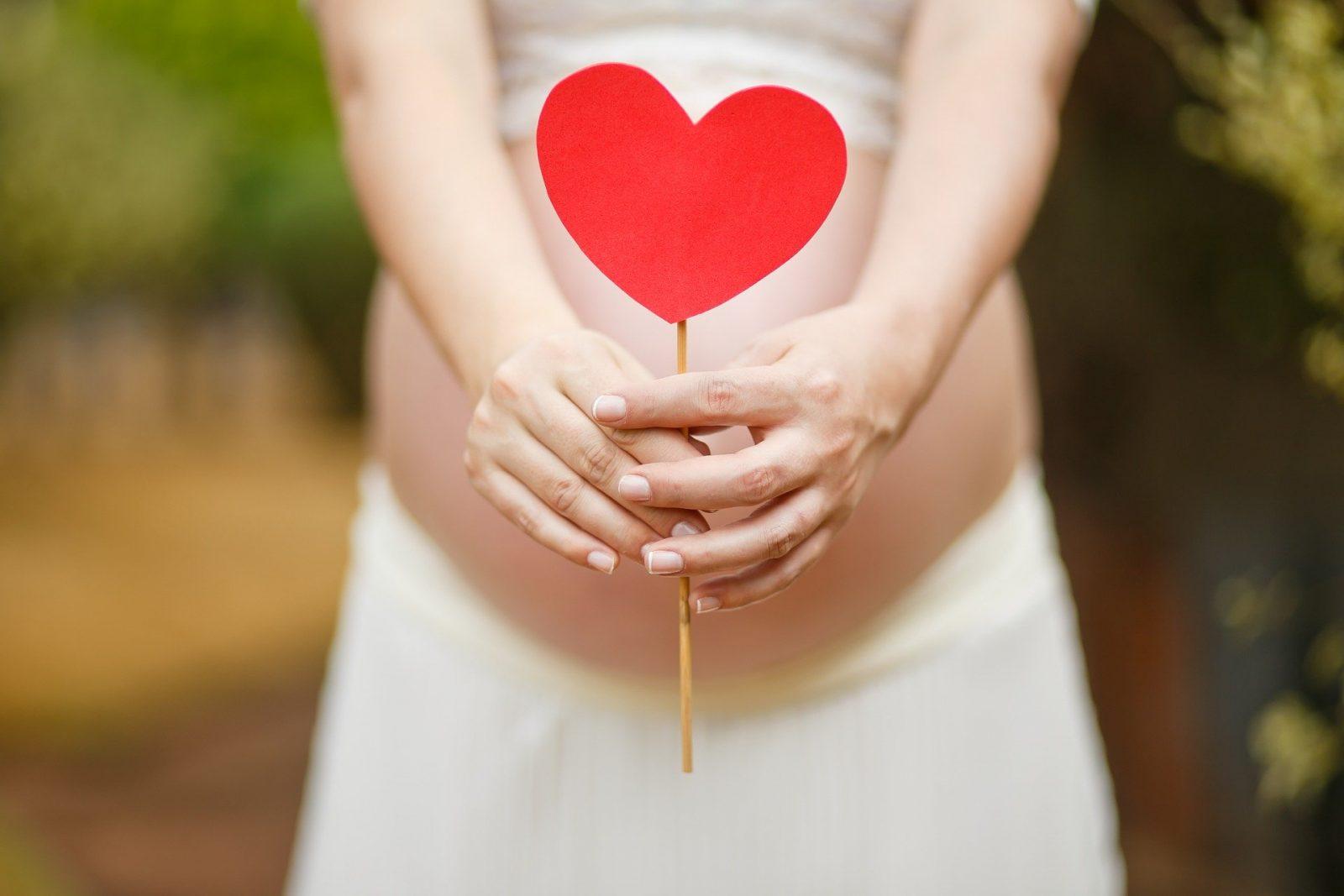 Foto per corso di maternità online: gravidanza e parto